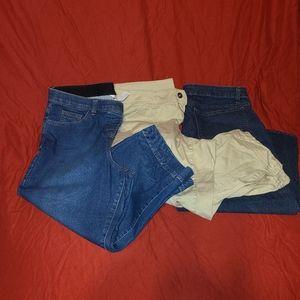 3 pairs of Capri size 16